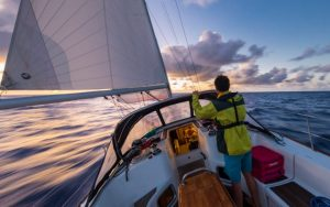 how to sail